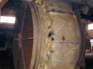 MPS3626生料磨磨辊制新焊接前